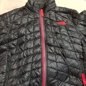 The North Face Jacket (Boys 7/8)